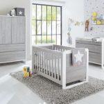 À quel âge bébé doit-il avoir sa propre chambre ?